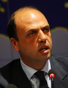 Alfano alza il livello di allerta terrorismo: Italia a rischio attentati