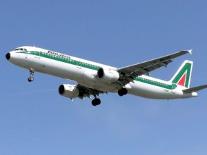 airplane-749538_960_720