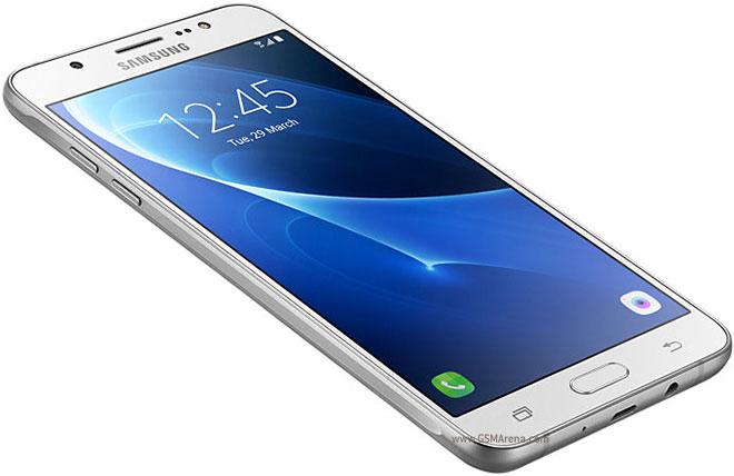 """Samsung, ecco i nuovi """"conti"""" del Galaxy che prende fuoco"""