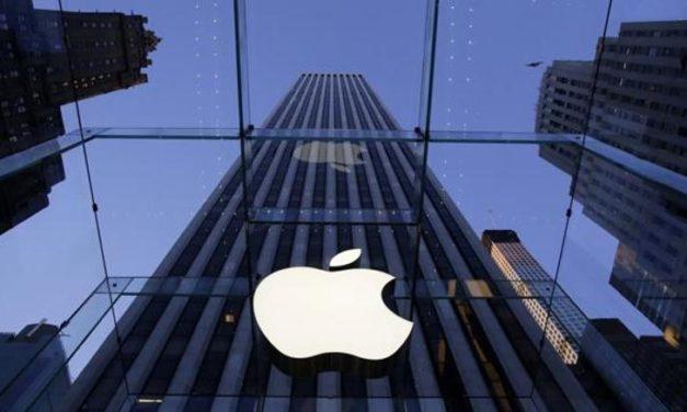 Apple chiude trimestre con utili e ricavi sopra le stime