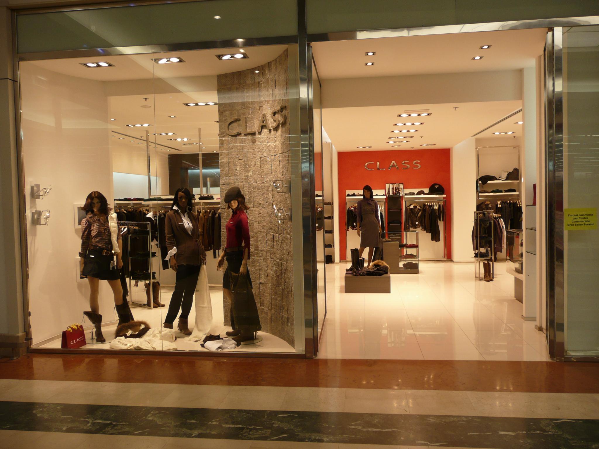 Abbigliamento online, crescono advertising ed e-commerce