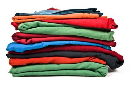 Piegare i vestiti: ecco alcuni consigli utili