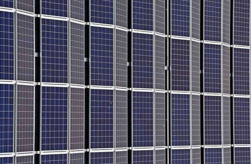 Si chiude con un successo il giro del mondo dell'aereo solare