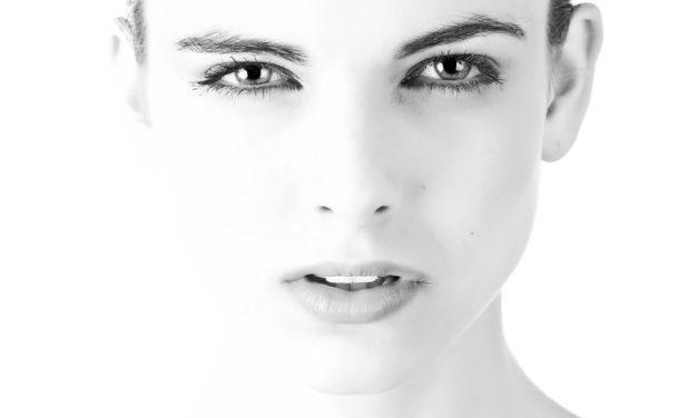 La delicata pelle del viso: come prendersene cura ogni giorno