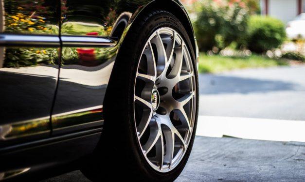 Come pulire i cerchioni delle ruote nelle auto usate