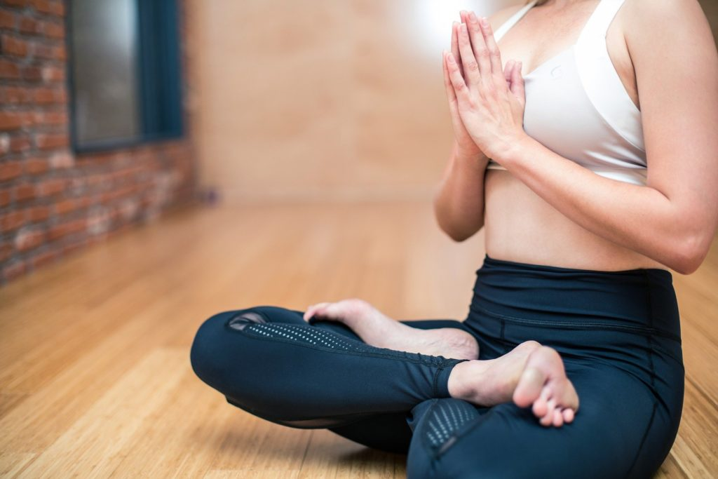 8 yoga-3053488_1920 (1)